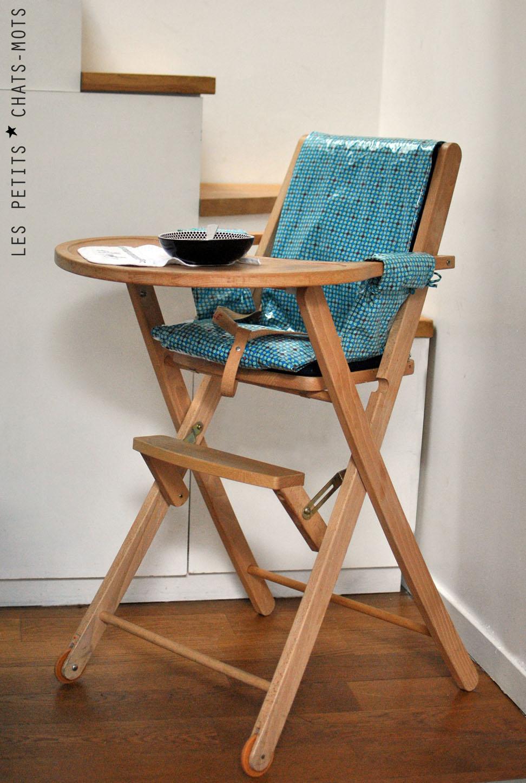 housse pour chaise haute lespetitschatsmots. Black Bedroom Furniture Sets. Home Design Ideas